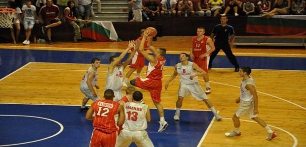 Esben Reinholt uenig med træner i Kroatien