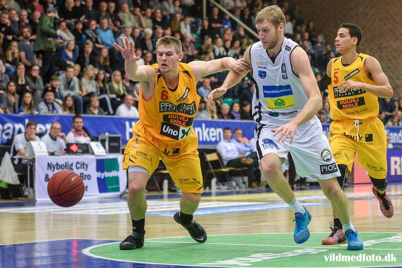 Esben Reinholt skal sparke karrieren i gang igen i Horsens