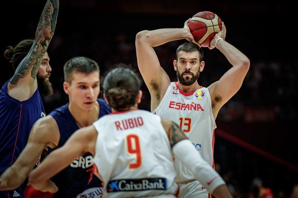 Spanien sejrer over Serbien