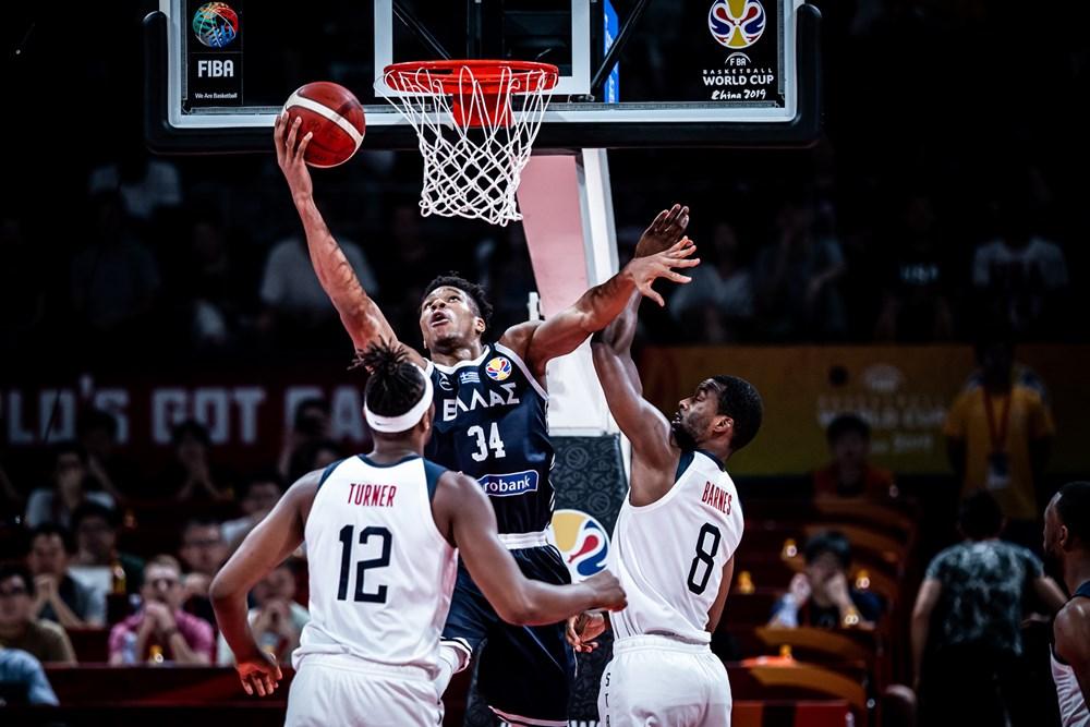 USA er i kvartfinalen efter skuffende græsk indsats