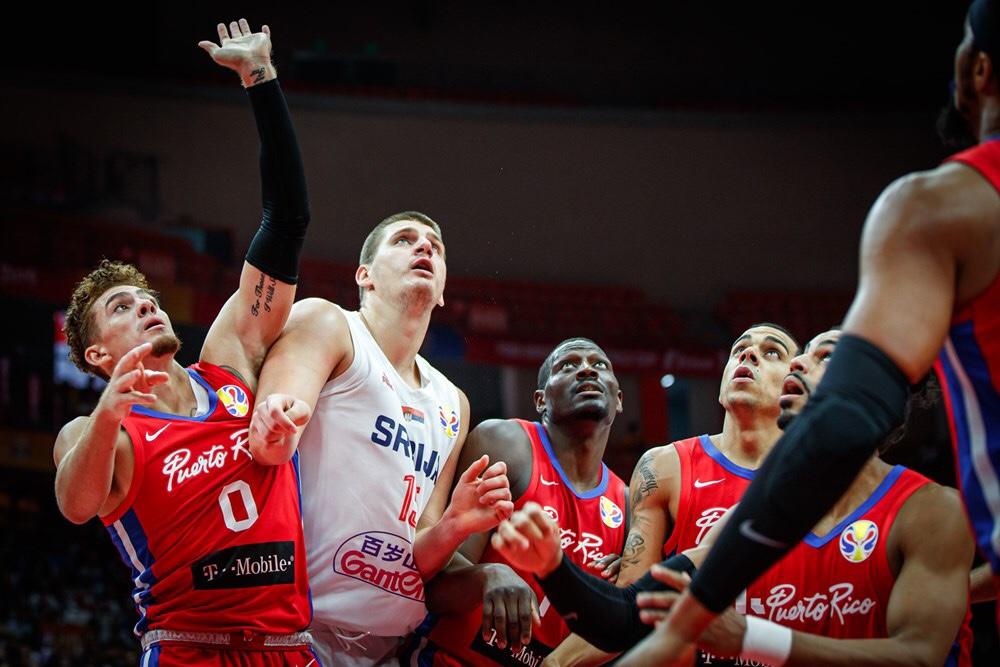 Serbien fortsatte hvor de slap mod Puerto Rico i anden runde