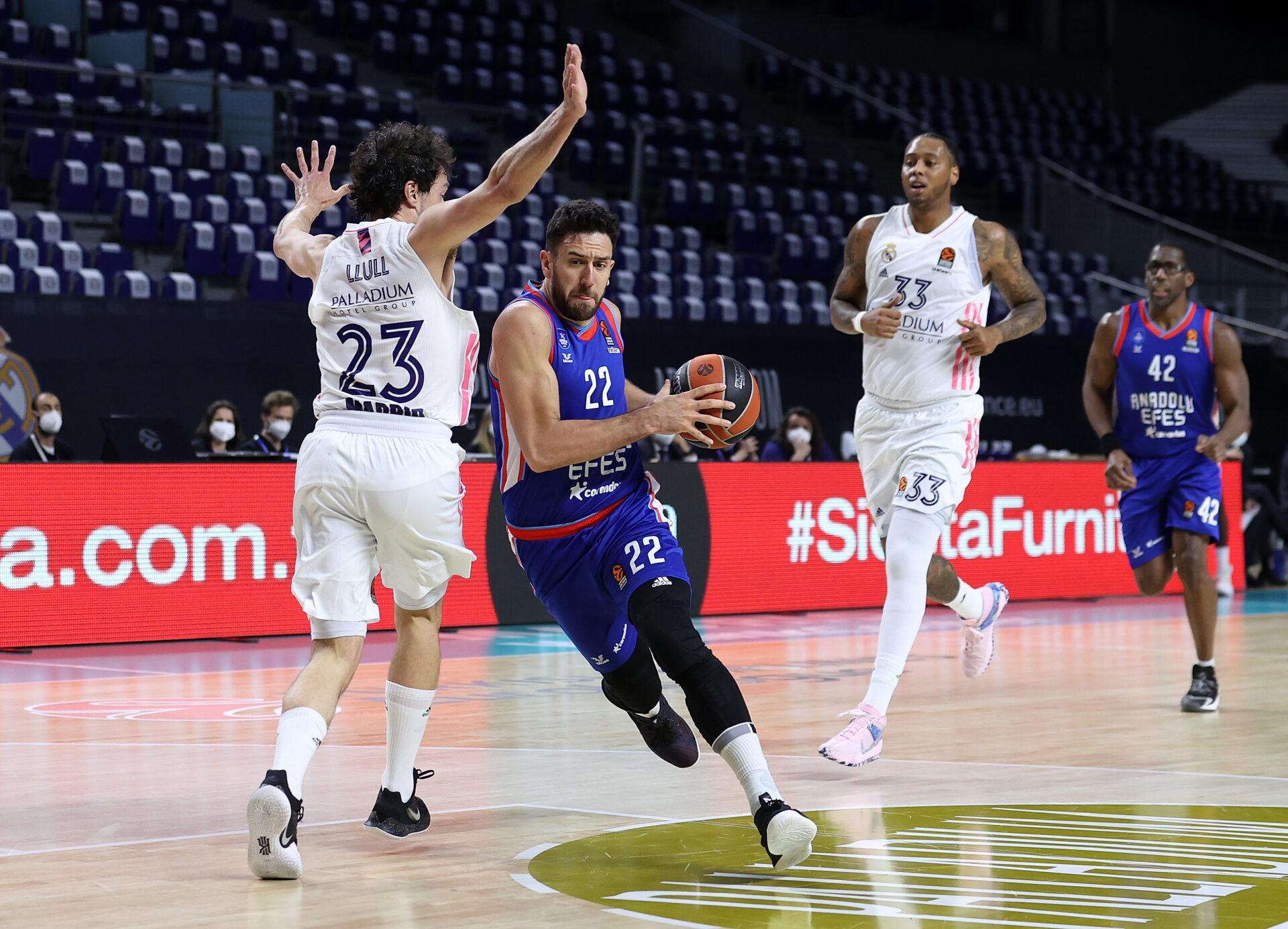 EuroLeague-prisvinderne er fundet: Dansker sniger sig ind på All-EuroLeague Team